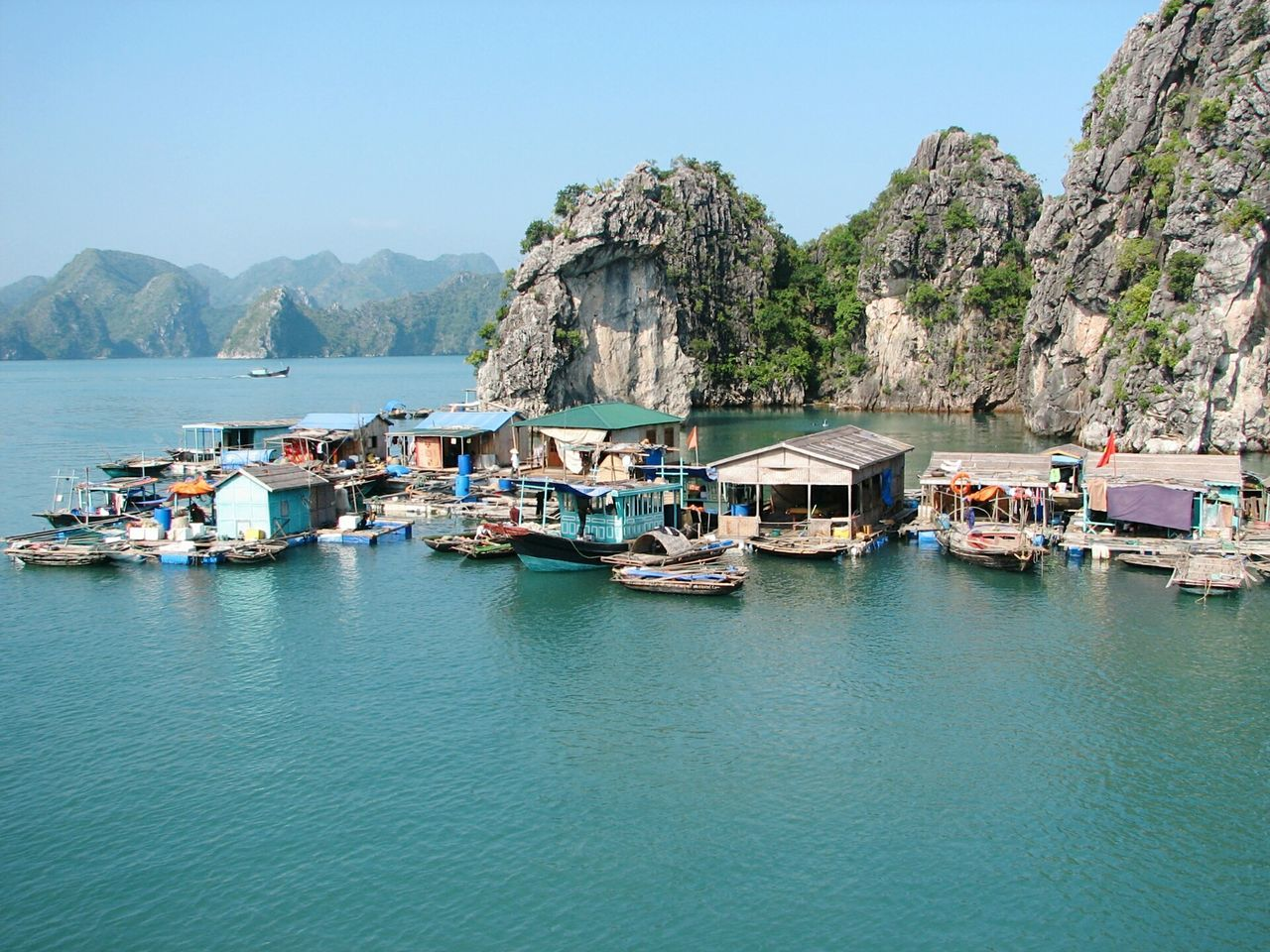 Vietnam Halongbay Water_collection Waterhouse HalongbayCruise Check This Out Ocean Fisherman Taking Photos