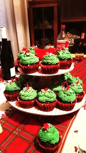 Christmas cupcakes! Eating Cupcakes Cupcakes! Family Marrychristmas