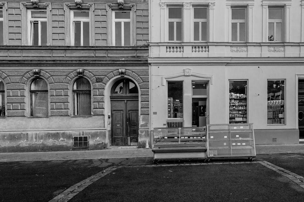 Afterwork Architecture Brunnenmarkt Building Exterior Market Ottakring Outdoors Place Saturday Evening Vienna Weekend Yppenplatz