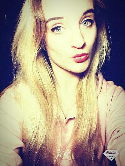 Paris ❤ Sweetdreams  Lovelyday💛 UglyFace♡ Follow Me😘 🎈👻