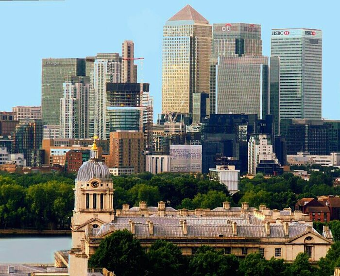City Of London Summer Holidays London Eye Beautiful City City Architecture