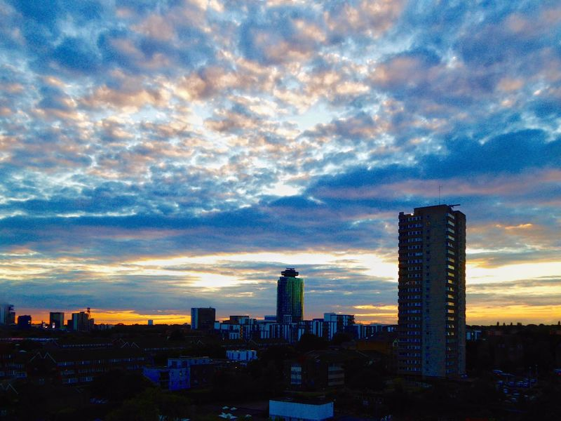 Urban Sunset Sunset Sunset_collection Sunset Silhouettes Sunsets Golden Sunset Purple Sunset Amazing Sunset! Amazing Sunset LONDON❤ London Sunset_captures Sunsetlover Sunset And Clouds  Urban Sunsets Weird Cloud Formation. Weird Clouds Weird Cloud Formation