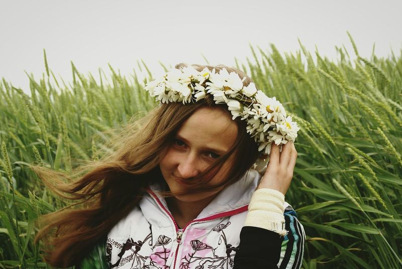 A bit too Windy for me. 😂 Daisy Flower Crown Midsummer Festival Midsummer Night Midsummer Eve Midsummer Day Midsummer Girl Happy Girl  Nature Crops RYE Countryside Celebration Long Hair Wind Happy Uniqueness