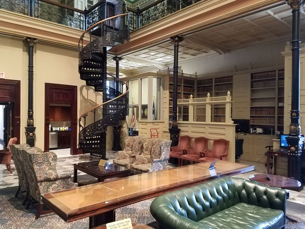 Indoors  Architecture Furnishings Library Books No People Travel Destinations Luxury Historical