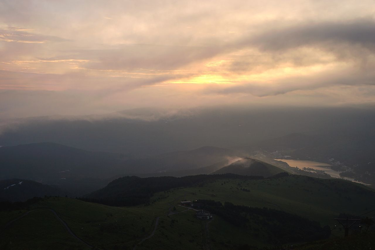 Mountain Landscape Scenics Nature Beauty In Nature Tranquil Scene Tranquility Mountain Range Sky Sunset Cloud - Sky No People Outdoors Day Sunrise Sunrise And Clouds at Kurumayama in Nagano Prefecture,Japan 車山高原