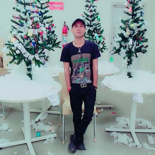 It's Over Full Length Standing Front View Indoors  Fashionable Pic Of The Day People Of EyeEm Christmas Tree Christmas Decoration Hello World Faces Of EyeEm That'sme