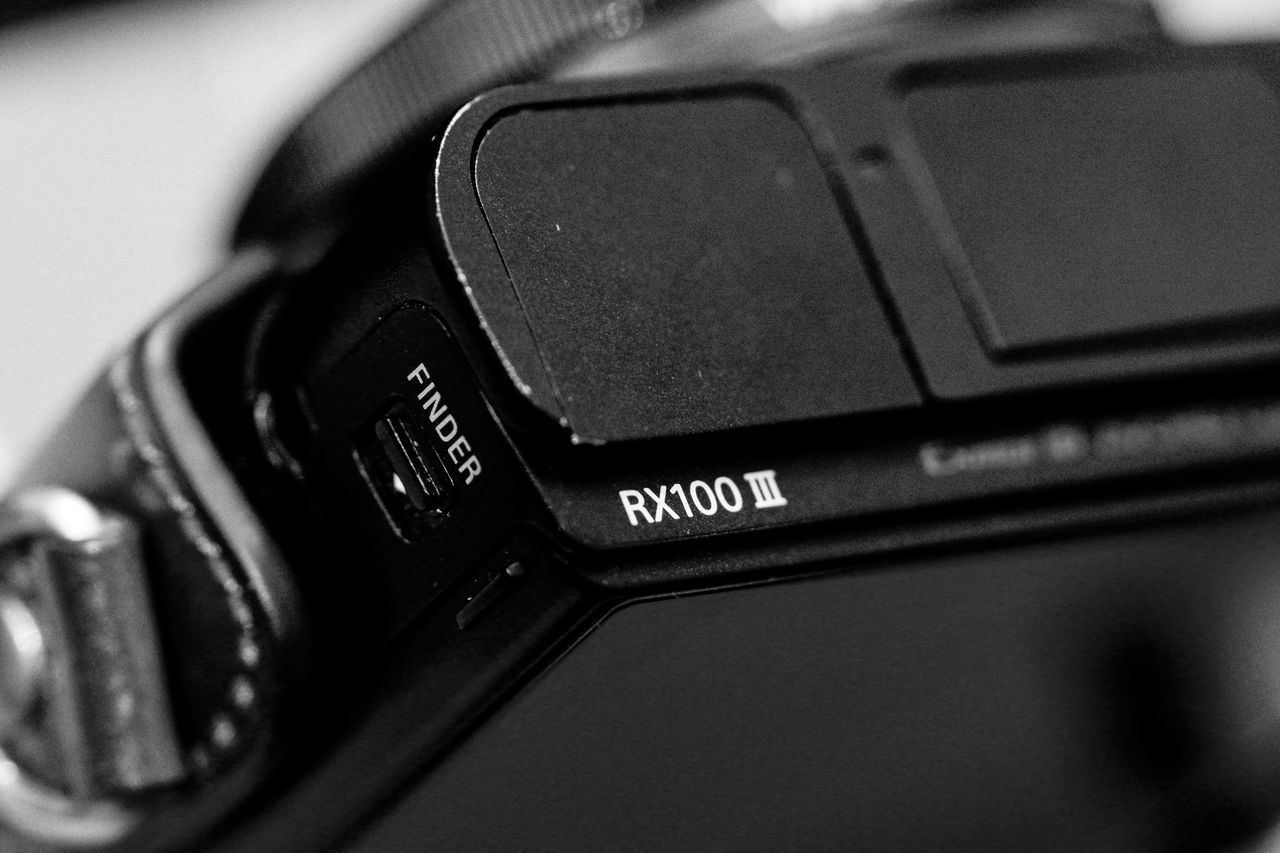 Testing closeness (AKA macro) Black & White Black And White Bokeh Camera - Photographic Equipment Close Up Close-up Closeup Communication Detail Details Finder Focus On Foreground Having Fun Macro Macro Photography Personal Perspective Photography Themes Playing Around SEL90M28G Sony A6300 Sony Rx100 M3 Technology