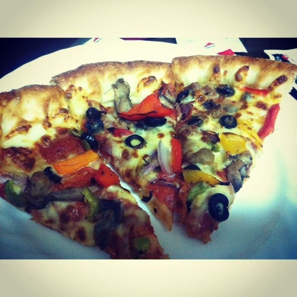 Instasize 피자헛 피자 알록달록 먹방한조각 맛없어보이냐..