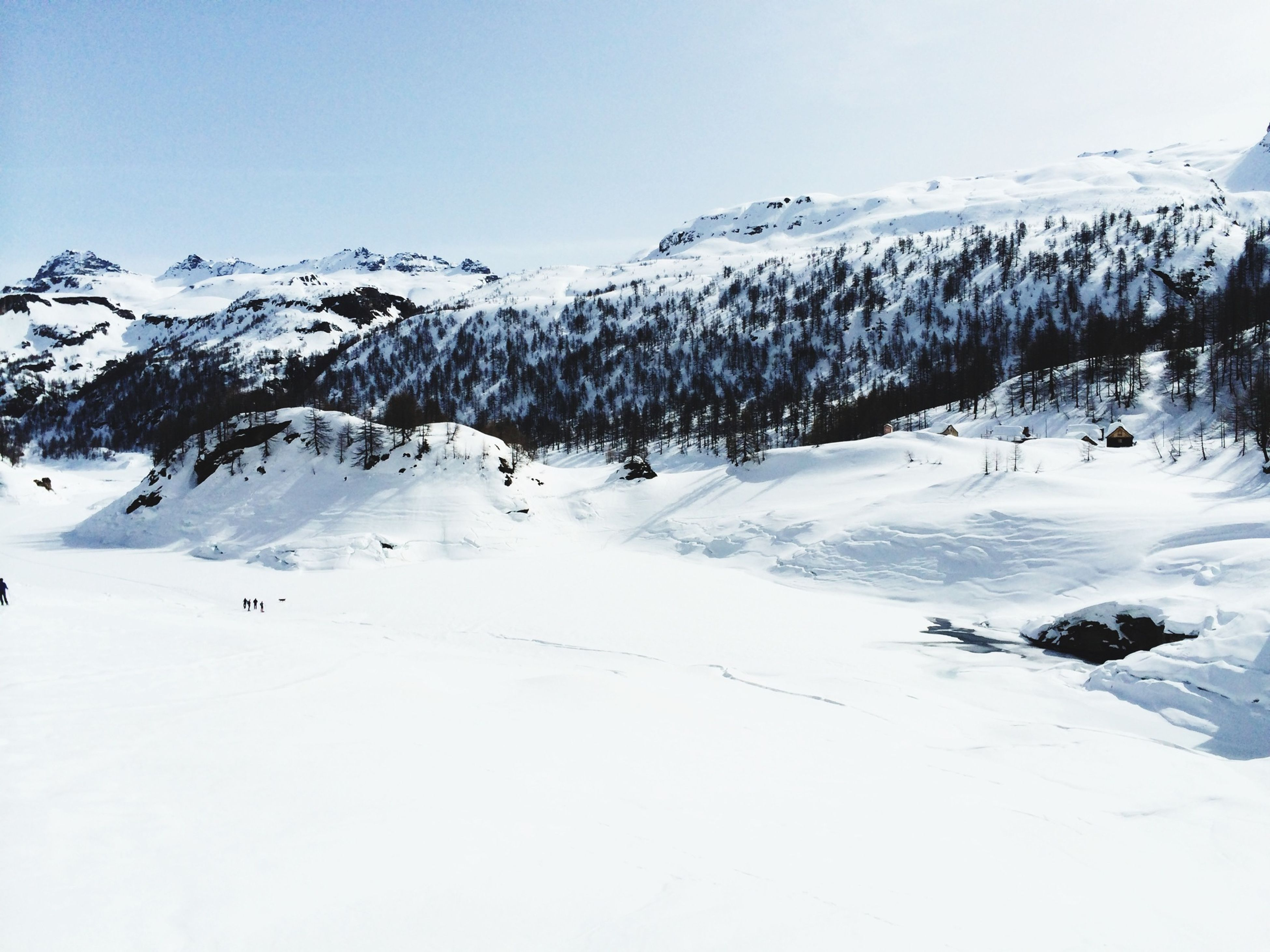 snow, winter, cold temperature, season, mountain, tranquil scene, scenics, tranquility, beauty in nature, landscape, clear sky, weather, covering, nature, white color, snowcapped mountain, mountain range, non-urban scene, frozen, copy space
