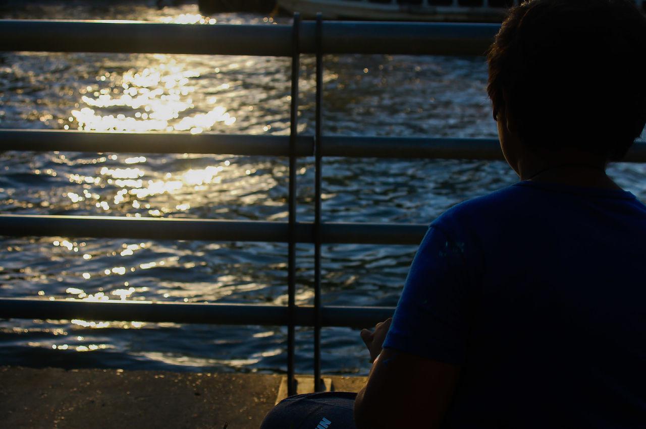 Atardecer Day One Person People Nature Water Rio Rear View Naturaleza Niño Children Photography Nikonphotography Nikon Buenos Aires Photography Niñosfelices Sillhouette Simplicity Siluette Silueta