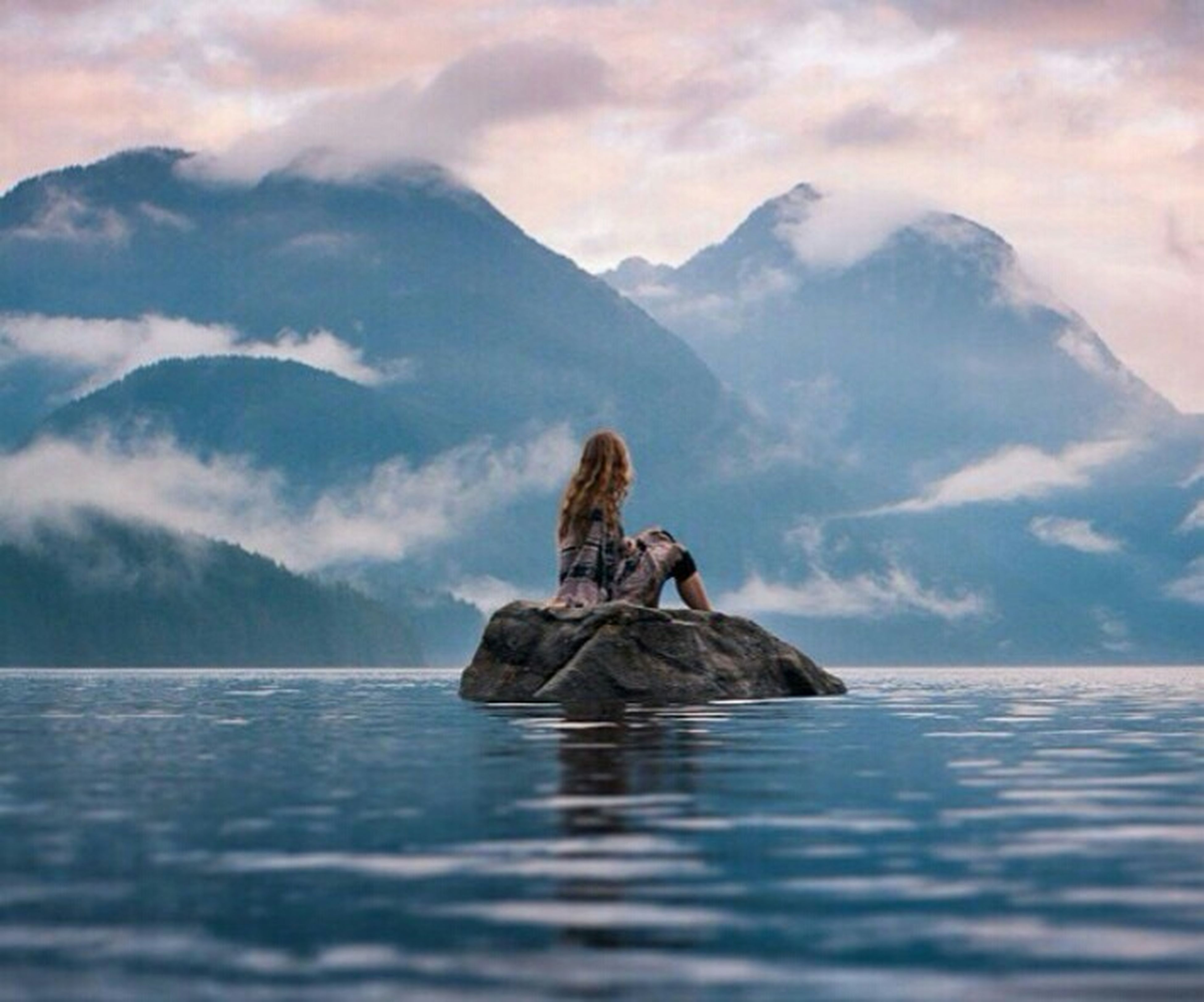 water, waterfront, sky, lake, mountain, sea, nature, tranquility, beauty in nature, animal themes, scenics, cloud - sky, tranquil scene, animals in the wild, nautical vessel, rippled, swimming, boat, one animal, cloudy