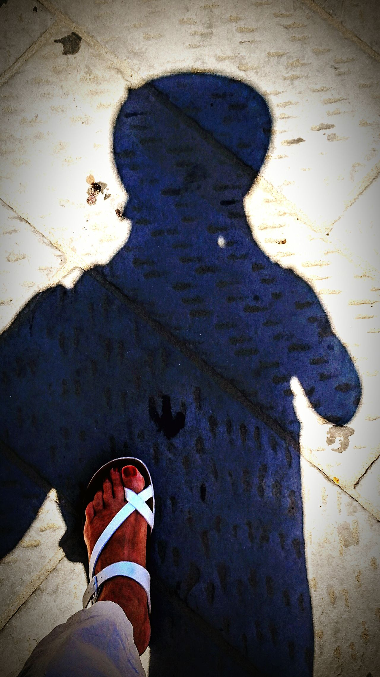 Premiers Pas. Foot Shoeselfie Silouhette Shadow Selfiesunday That's Me That's My Foot ! That's My Shadow