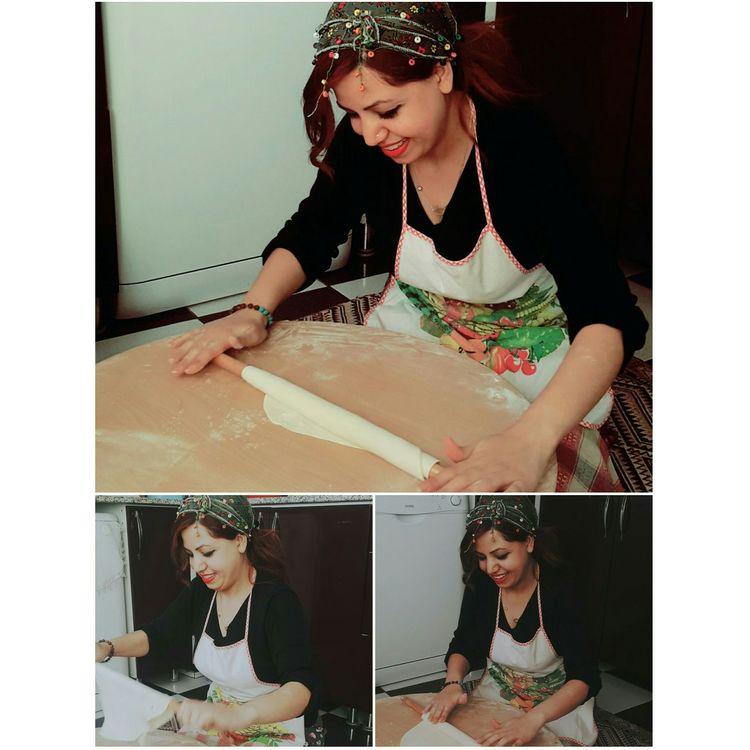 Meriy iş başında 😃 katmer ve gözleme de yaparım 😊😂😛😜 Hello World Turkish Katmer Gözleme Hamur Turkmutfagi