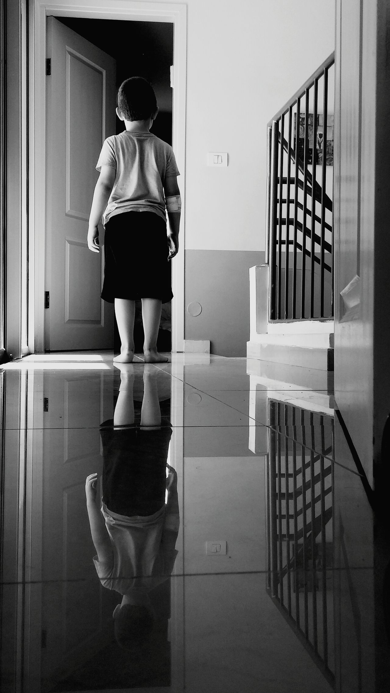 Monochrome Photography Indoors  Full Length Glass - Material Casual Clothing Rear View Entrance Day Well-dressed In Front Of From The Back Reflection Dor
