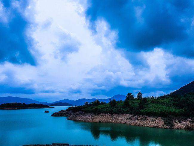 Linggiu Reservoir. Sky Nature Landscape Water Blue Outdoors Lightroom Canon 70d Canon CanonSG Day Canonasia Canonimagingasia Canonphotography Canonimagingacademy VSCO Beauty In Nature