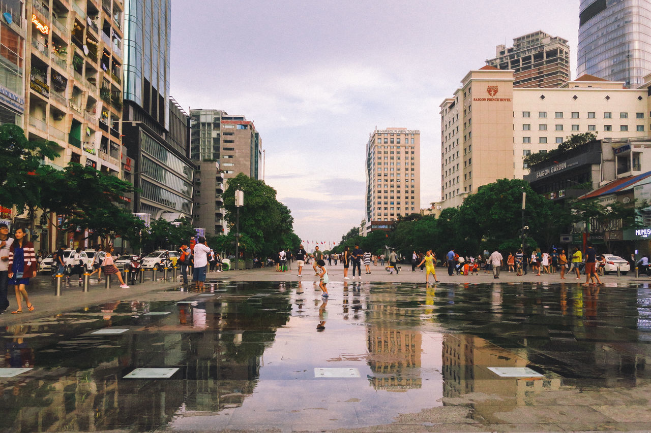 Building Exterior Built Structure City Evening Hochiminh Holiday Large Group Of People Life Live For The Story Outdoors Reflection Sky Summer