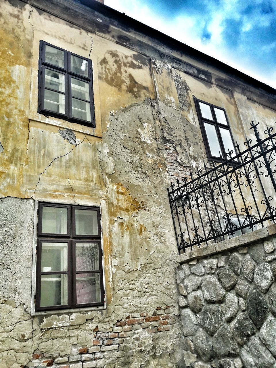 window, architecture, building exterior, built structure, no people, low angle view, outdoors, day, sky