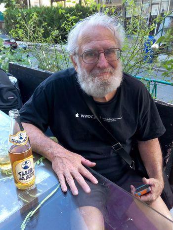 Clubmate w/ @jdcrunchman aka cap'n crunch https://fr.m.wikipedia.org/wiki/John_Draper @Le_Loop <3