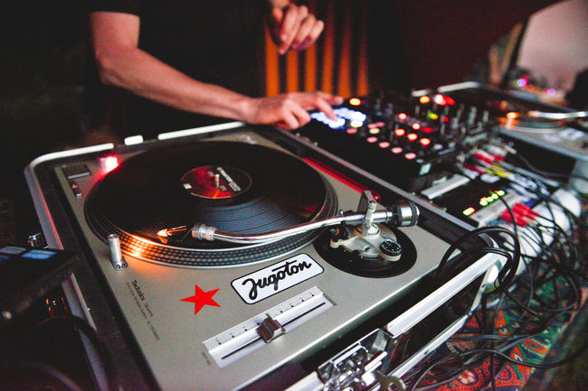 Accuracy Audio Equipment Bottoms Dj Dj Set Equipment Machine Part Machinery Music Music Festival Music Is My Life Musician Open Air Part Of Retro Styled Scratching Summer Summer Gathering Technics Technics 1200 The Innovator The Mix Up Vinyl Vinyl Records