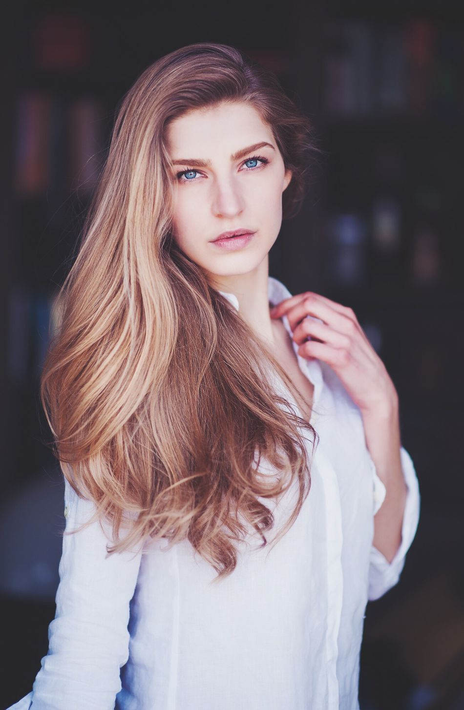Beautiful stock photos of augen, beauty, long hair, fashion, beautiful people
