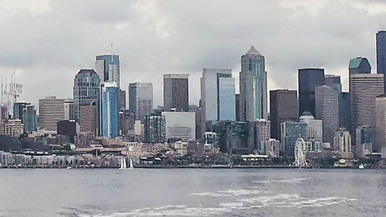 Seattle , Washingtion , Ferryride , Waterfront , Cityonthewater , Cloudy , Cloudyday , Cloudycity , Graysky