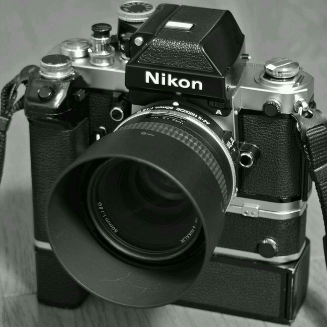 Gレンズも似合いますねw Nikon F2 AF-S NIKKOR 50mm F /1.8G SE