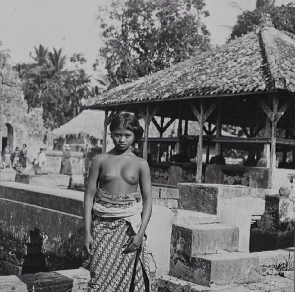 Kesiman royal palace 1930 Hello World Bali
