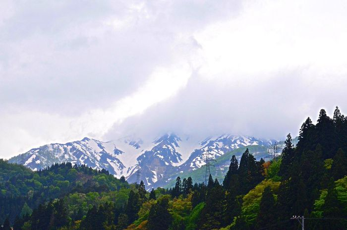 Mountains Spring Fresh Green Nature EyeEm Nature Lover Snow Clouds 鉄塔♡Love 鉄塔