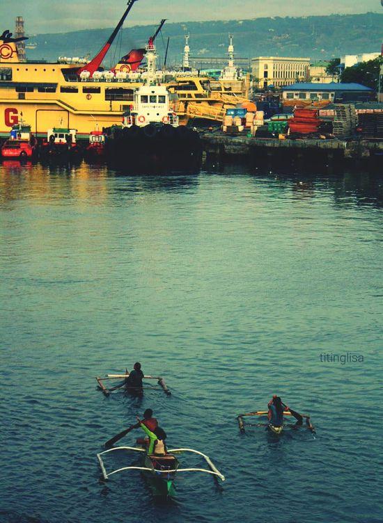 Dwarves And Giants Vessels In Port Dockyard Shipyard Cebu Port Cebu Here We Come Open Edit Album Morning Calm