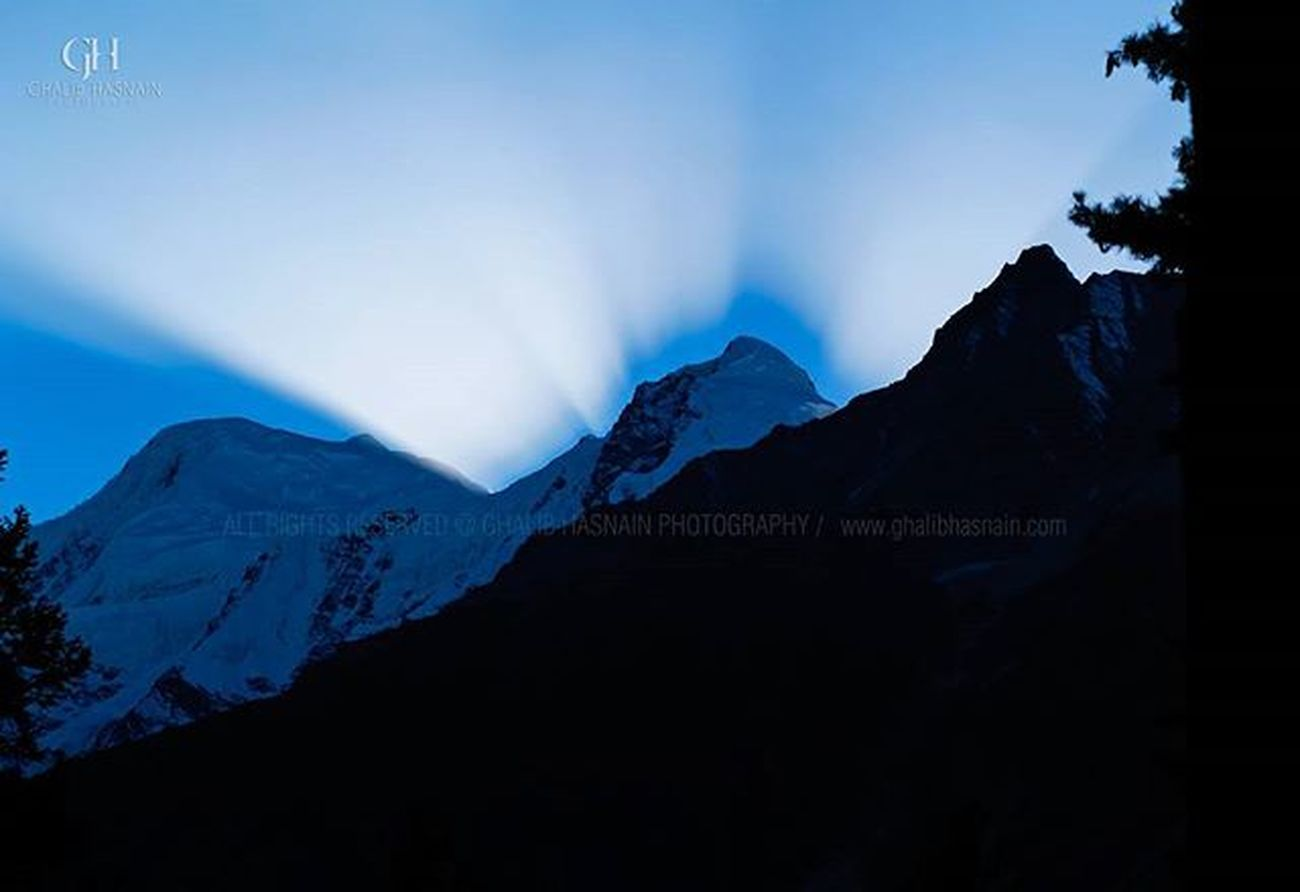 Magical Sunset Sunset Sunrays Light Rama Eyewitness Astore Pakistan Ghalibhasnainphotography Ghalibhasnain Sky Valley Dawndotcom