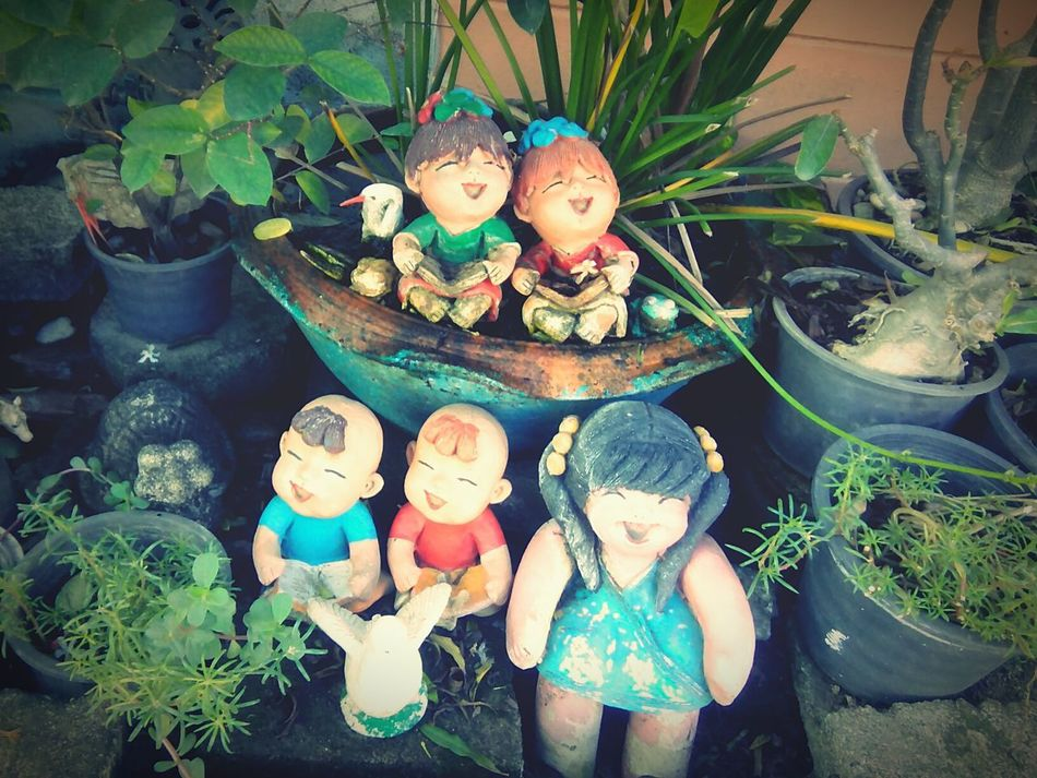 ตุ๊กตาดินเผา Clay Doll Clay Dolls outdoors Close-up