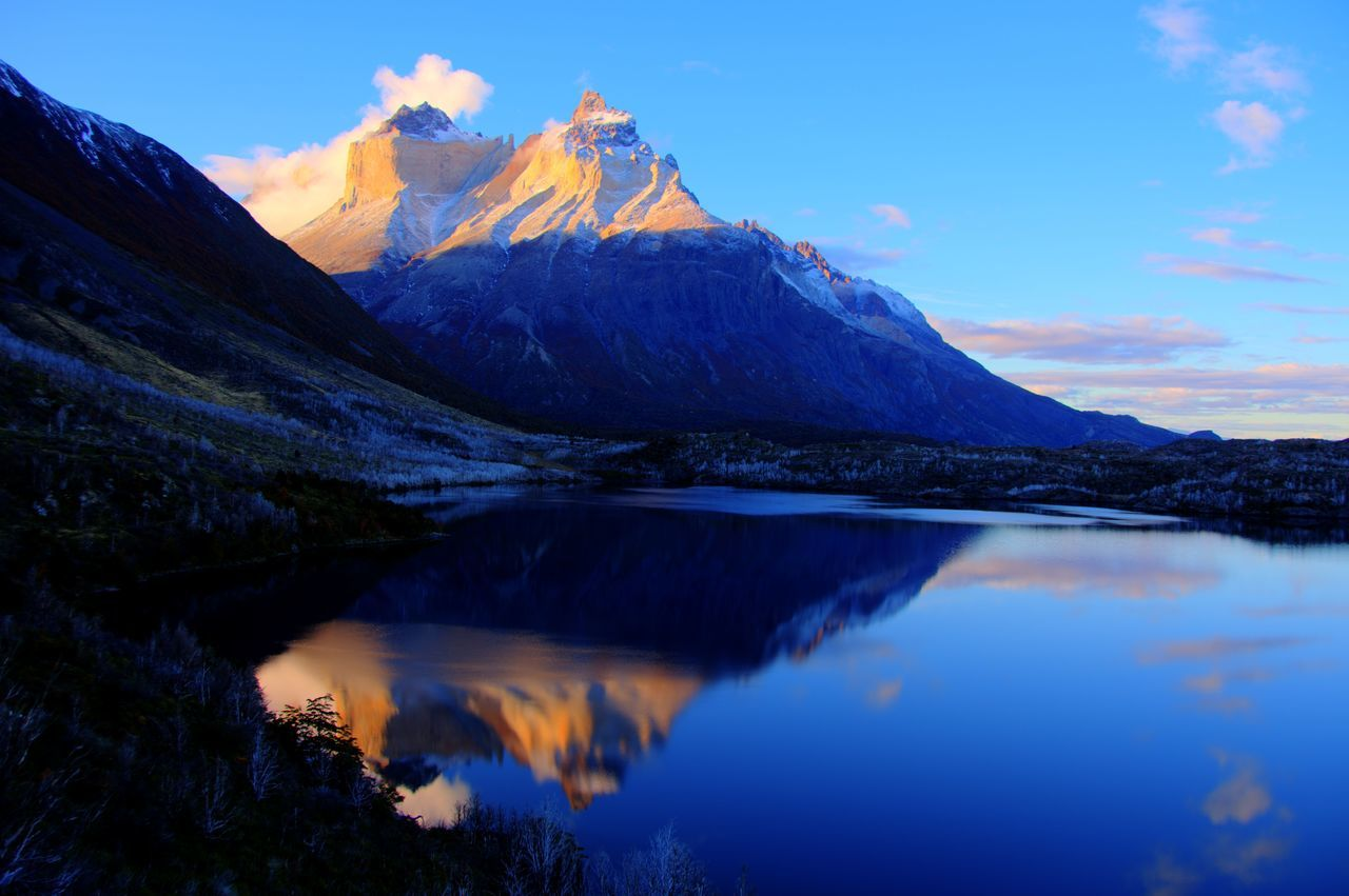 Adventure Beauty In Nature Chile♥ Cuernos Del Pai Hiking Lago Skottsberg Lake Landscape Mountain Mountain Peak Mountain Range Nature No People Outdoors Patagonia Chilena Reflection Skottbesrg Lake Sunset Torres Del Paine Water