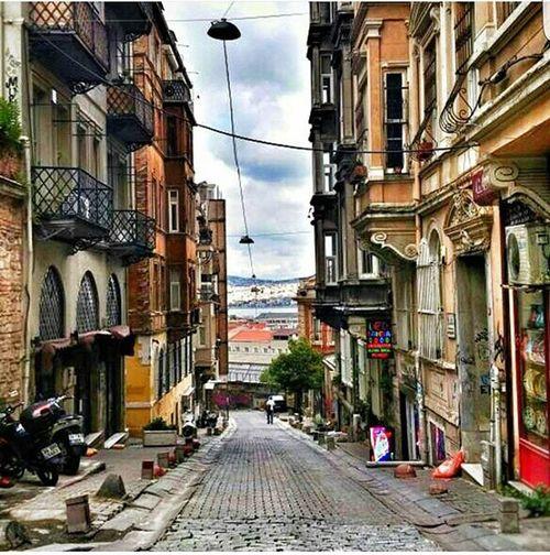 Happy friday 😊💐 Istanbuldayasam Istanbuldayasam3yasinda Yarismavakti Severekçekiyoruz Fotografturkiye Gununkaresi Birkarehayat Fotografturkiye Ig_istanbul Ig_eurasia Ig_turkey