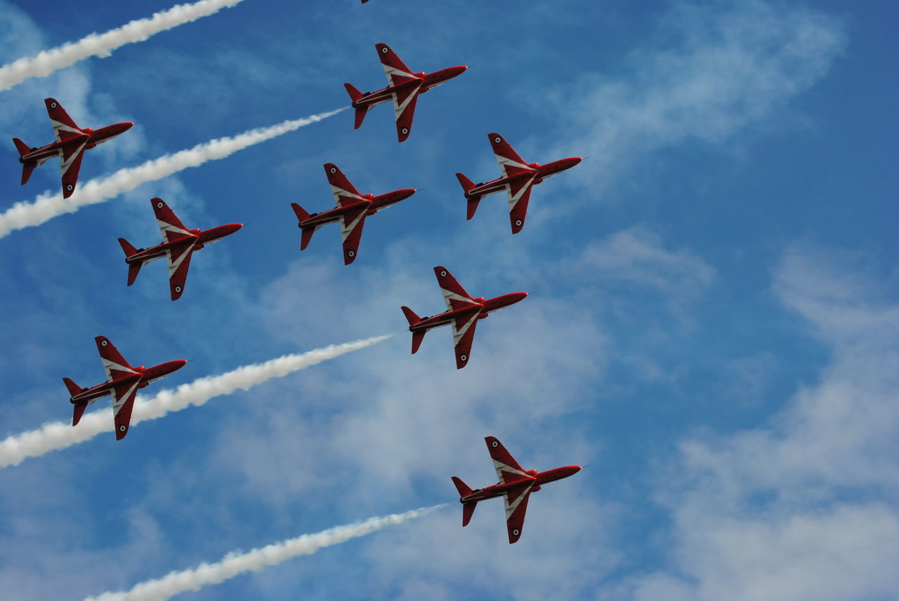 lets fly, red arrows Red Arrows Air Display Aircraft AirPlane ✈ Planes, Trains And Automobiles Airshow Jets Planes In The Sky Planes Overhead