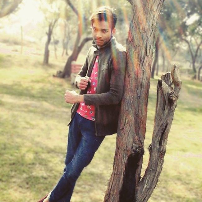Skychauhan Skychauhanofficial Me Nature Green Wood Park FeelsGood Awesomeplace Natureview Moments Naturelover Style LooksAmazing Sunlight Manway Wildplace wonderfulday