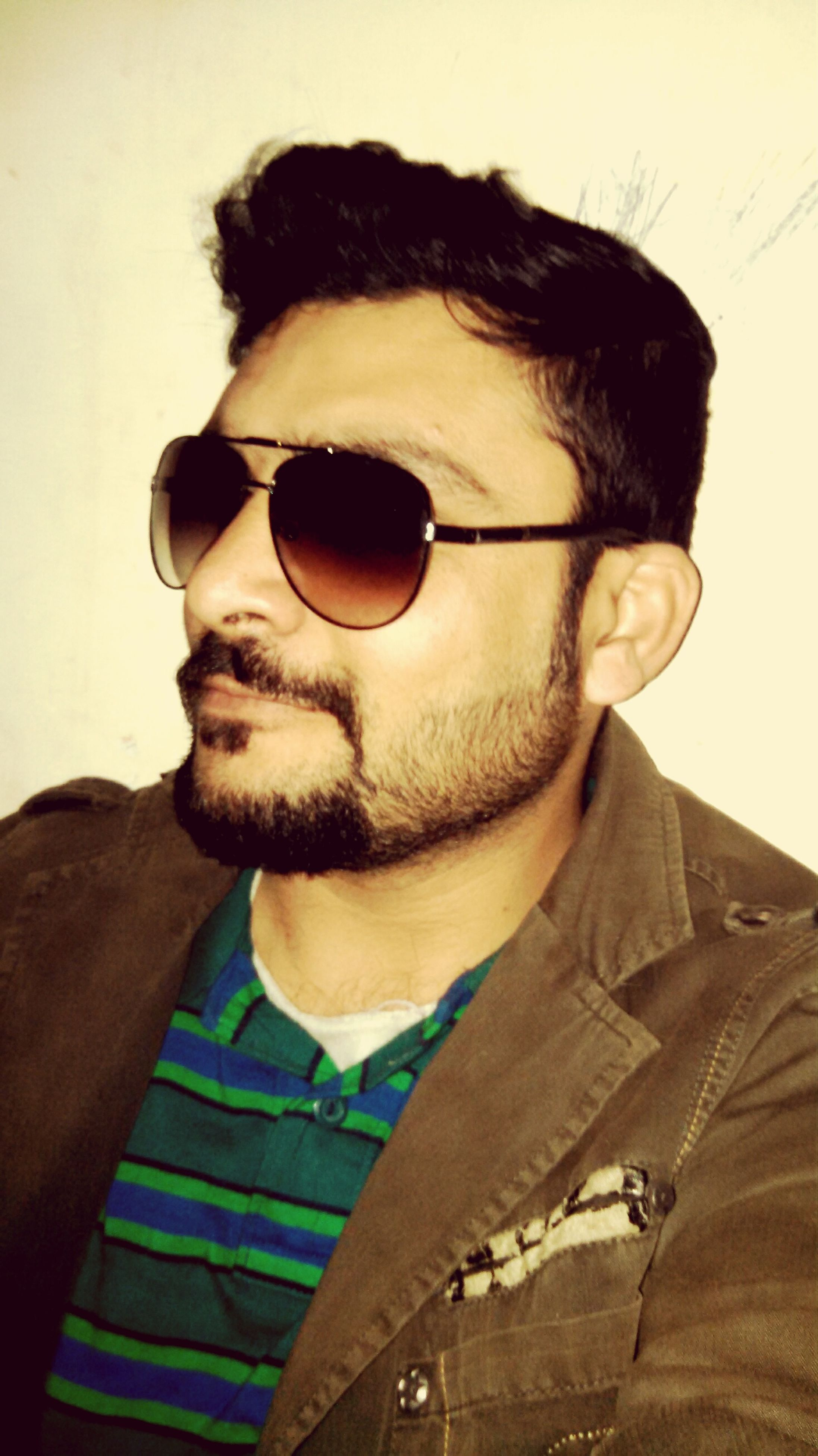 portrait, sunglasses, young adult, looking at camera, headshot, young men, front view, lifestyles, person, beard, close-up, mid adult, eyeglasses, mid adult men, leisure activity, indoors, head and shoulders, casual clothing