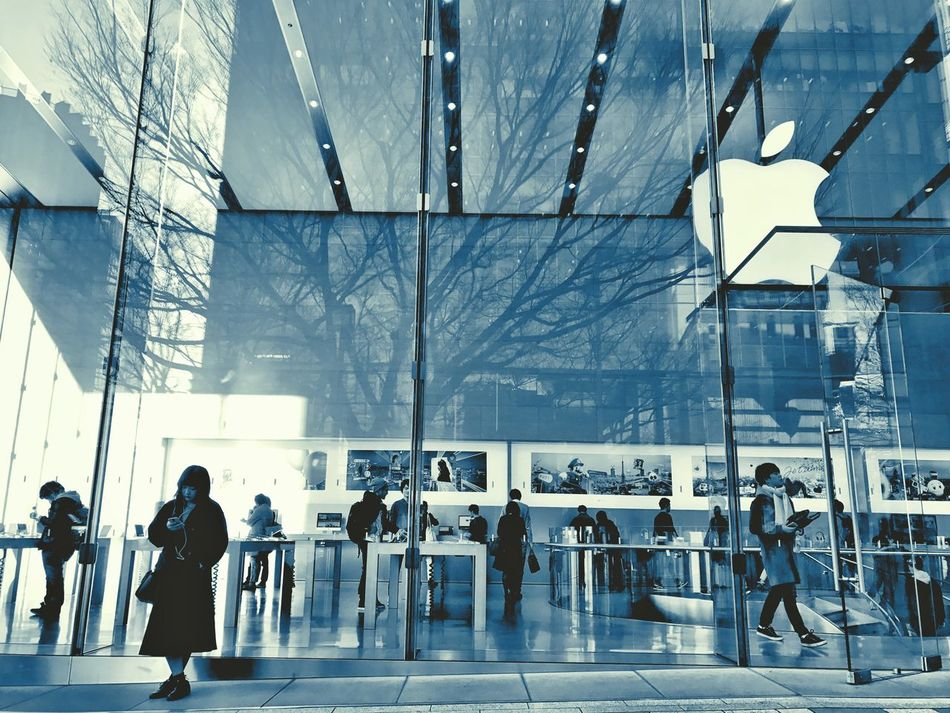 Lone Girl Girl Waiting Apple Store Men Travel Apple Inc. Glass Building Architecture Modern Built Structure Large Group Of People Real People People Day Building Exterior City Cyanotype Apple Urbanphotography Tokyo IPhoneography Tokyo, Japan Streetphotography Omotesando Tokyo,Japan