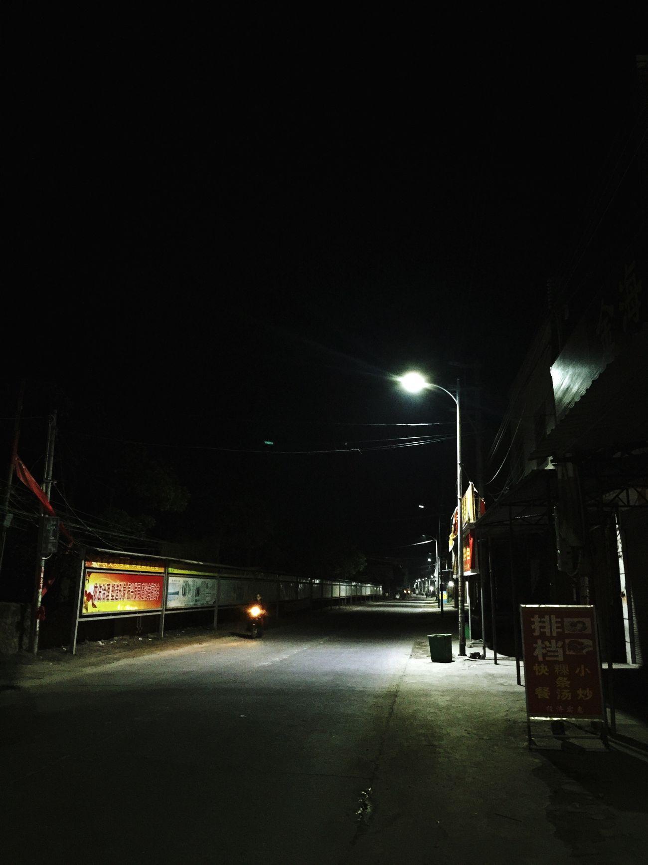 Night Illuminated Transportation Mode Of Transport Land Vehicle No People City Outdoors Architecture 景