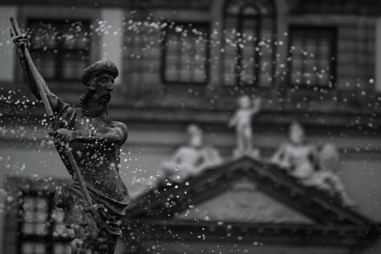 ~ Time itself comes in drops. 🔱✴ ~ Water Splashing Drop Outdoors Blackandwhite Getting Inspired Neighborhood Map Light And Shadow Selective Focus Details Art Is Everywhere Architecture Built Structure Wet Arts Culture And Entertainment Day One Person Statue Human Representation Fontain Waterdrops Art And Craft Monochrome Blurred Background Moment Of Zen