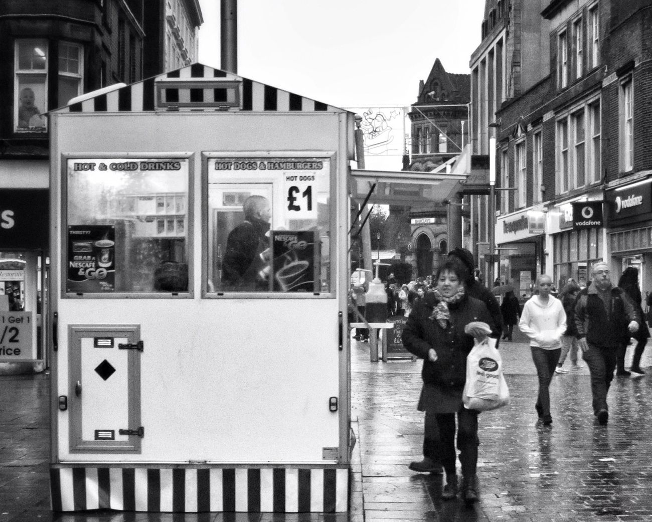 Hot Dogs & Hamburgers £1 Streetphotography People Kiosk Blackandwhite Black And White Street Life Hamburger Street Portrait On The Streets Streetphoto_bw Hot Dogs Wolverhampton People Watching