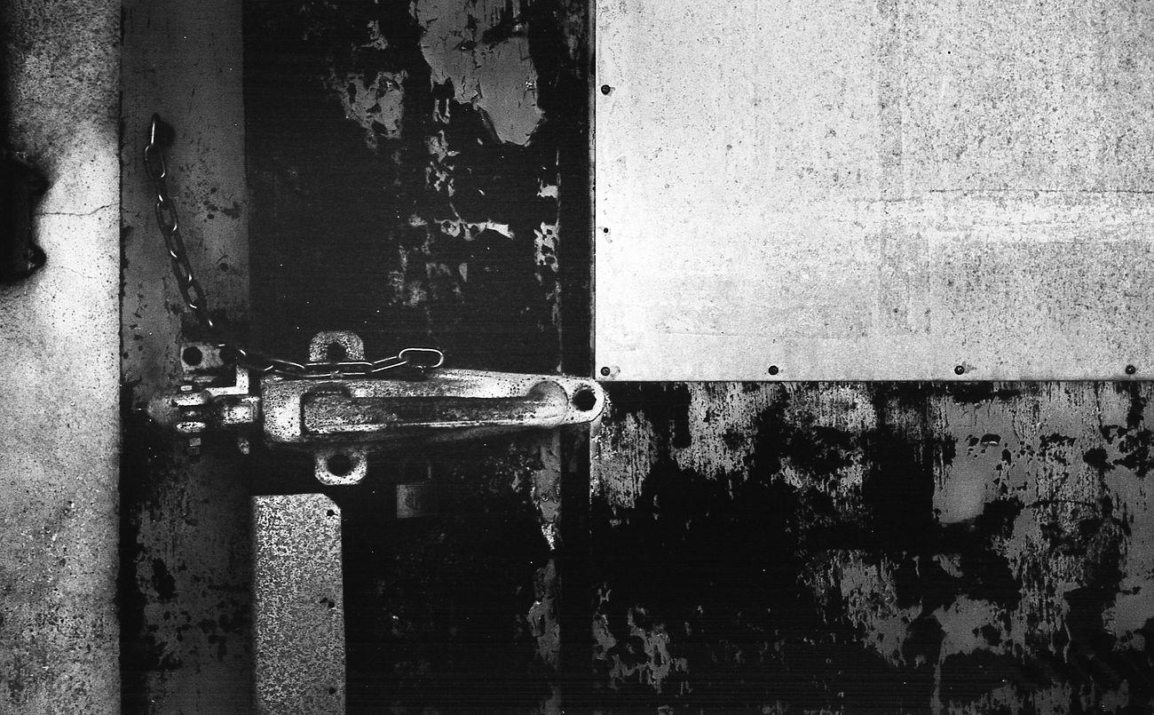Snap Bnw Black & White Monochrome Film Black And White Photography Filmcamera Blackandwhite Photography Snapshots Of Life Life Black And White Day Film Photography Leica Black And White Door