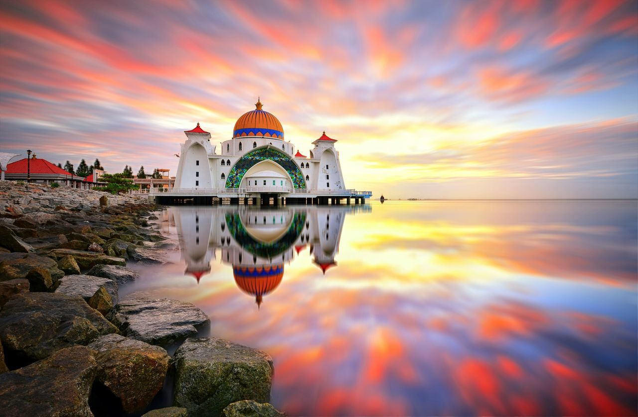 Malacca Straits Mosque The Architect - 2017 EyeEm Awards Mosque Architecture Building Sunrise Sunset Reflection Muslim Religion Travel Destinations Scenics No People Building Exterior City EyeEmBestPics Eyeem Market Background Getty Images EyeEm Gallery Melaka Malacca Straits Mosque Malaysia Landscape The Great Outdoors - 2017 EyeEm Awards