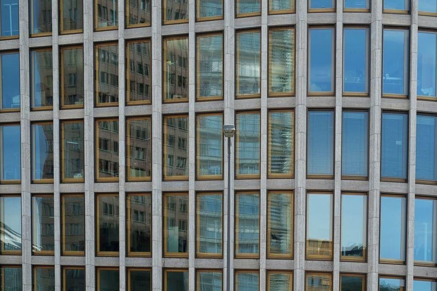 Find the lamp 2 Taking Photos My Fuckin Berlin Myberlin Berliner Ansichten Berlincity Building Architecture Minimalism Minimalobsession Cityscape