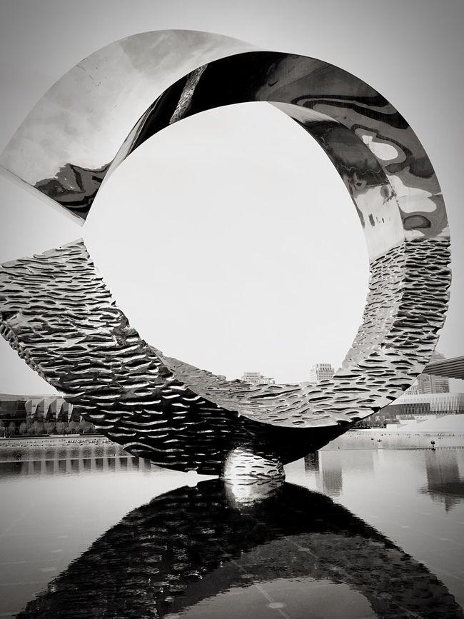 Art Sculpture Design Water Reflections Monochrome Blackandwhite Artwork_bw