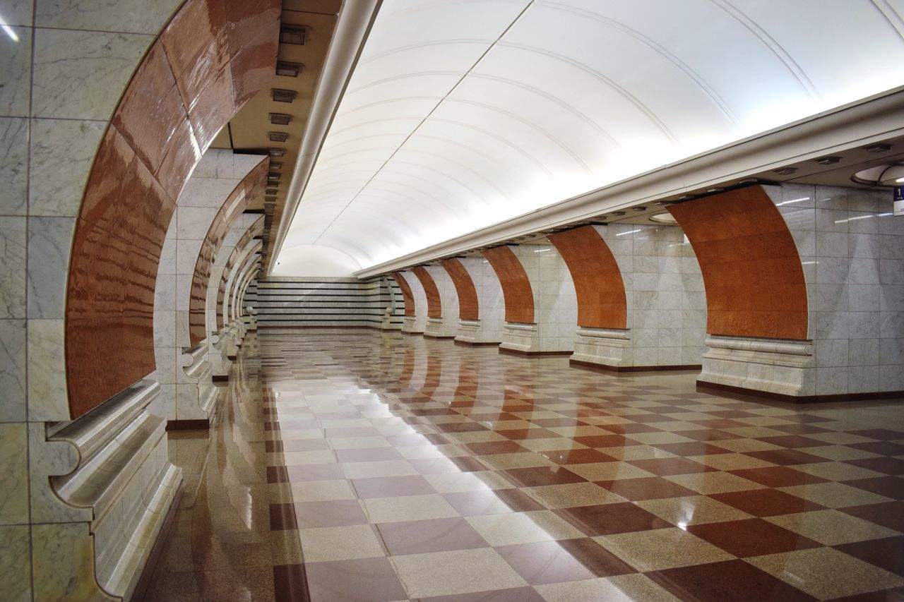 Happy Friday evening 🙋🏻✨ Mosmetro Moscow Metro Stations Moscow Subway Moscow Metro Subway Station Moscow Underground Notes From The Underground Metro Station Marble Reflection Architecture Urban Geometry Architecture In A Row Underground Station  No People Diminishing Perspective Architecture Photography Urbanphotography Empty Exceptional Photographs Geometric Shape Architecture_collection Underground Station  Colors and patterns Neighborhood Map