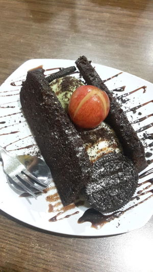 Ice cream brownies Food And Drink Sweet Food No People Food Relaxing Standing @dianintan88 Close-up Feedme
