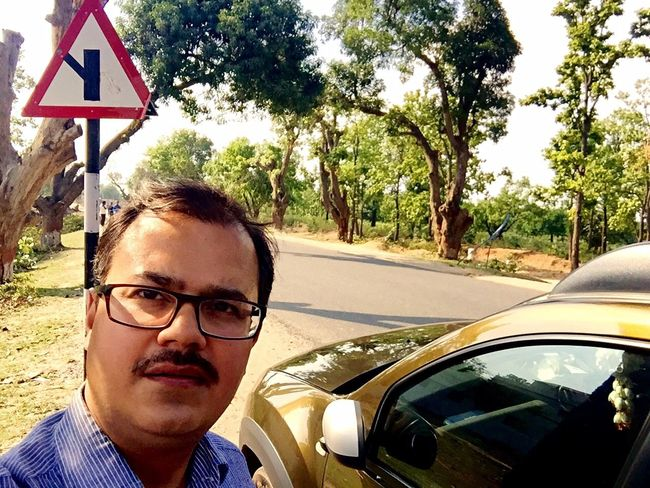 Selfie ✌ Self Portrait Random Green On The Road Fun That's Me Traveling Journeyphotography Ordinary  Me :)  Me My Camera And I