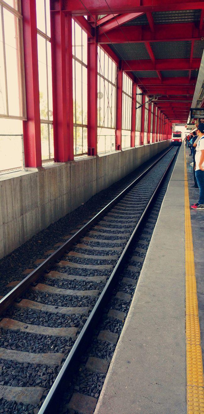 The Journey Is The Destination Tren Suburbano en el Estado de México, estación San Rafael. Train Journey Viaje Viajar Destiny
