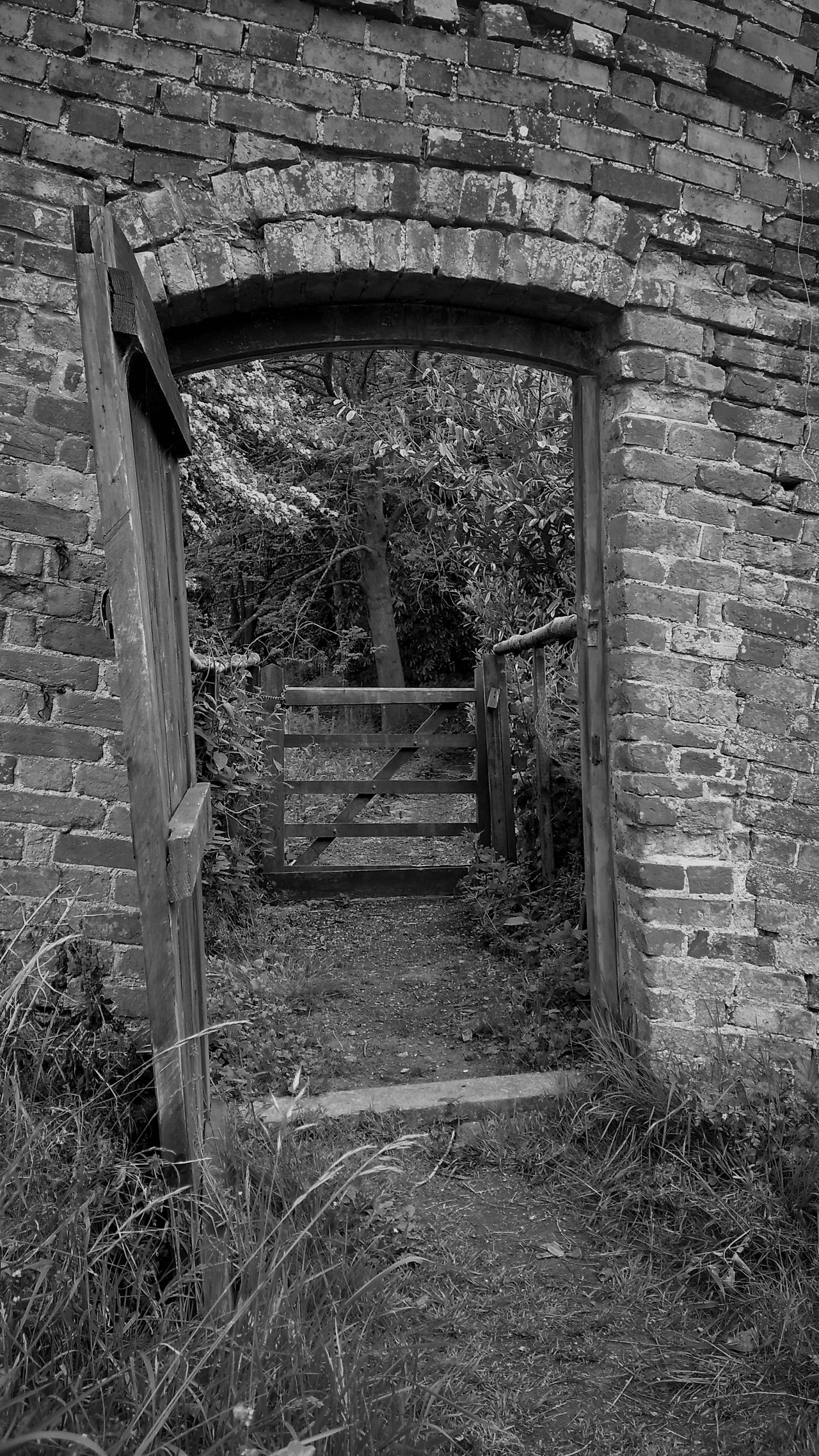 Entrance Gate Narrowpath The Way Forward Bnw_friday_eyeemchallenge Vanishing Point Weathered Diminishing Perspective Gateway Gate EyeEm Best Shots EyeEm Masterclass Eye4photography  Malephotographerofthemonth EyeEmbestshots EyeEm Gallery Brick Wall Bricks