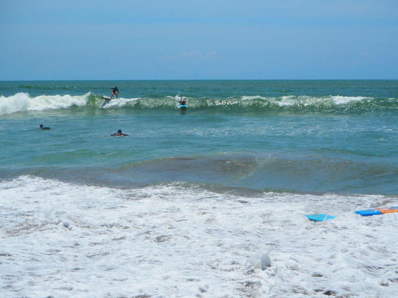 🏄‍♀️ Life Is A Beach 🏄‍♀️ Travel Canggu Bali Bali, Indonesia Beach Beach Life Beauty In Nature Blue Sky Exceptional Photographs EyeEmNewHere Landscapes Leisure Activity Lifestyles Nature Outdoors People Scenics Sea Sky Sport Sunny Day Surfing Tadaa Community Wave